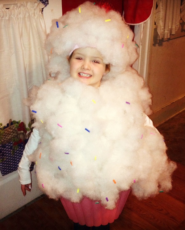 DIY kids cupcake costume