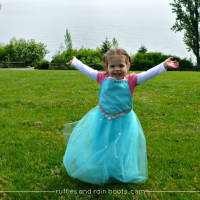 DIY Queen Elsa costume